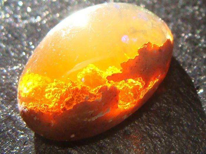 6d3f0ff5e51 Enne kui asuda kristalle päikesega puhastama, on kõige parem need sooja  veega ära pesta. Kristallid võib jätta päikese kätte pooleks tunniks või  tunniks ja ...